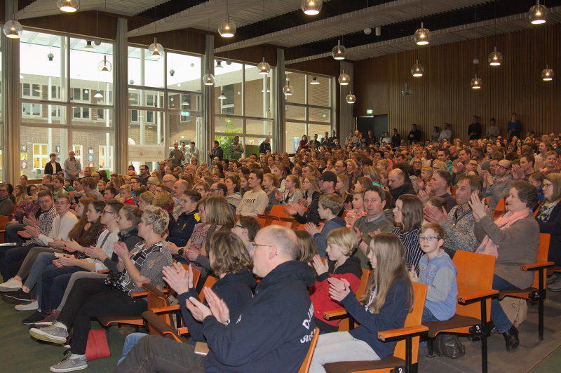 Volles Haus in der Aula des Gymnasiums Georgianum in Vreden